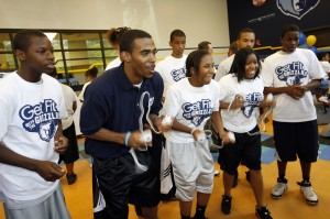 Memphis Grizzlies player Mike Conley shares some exercise tips with MAM kids.