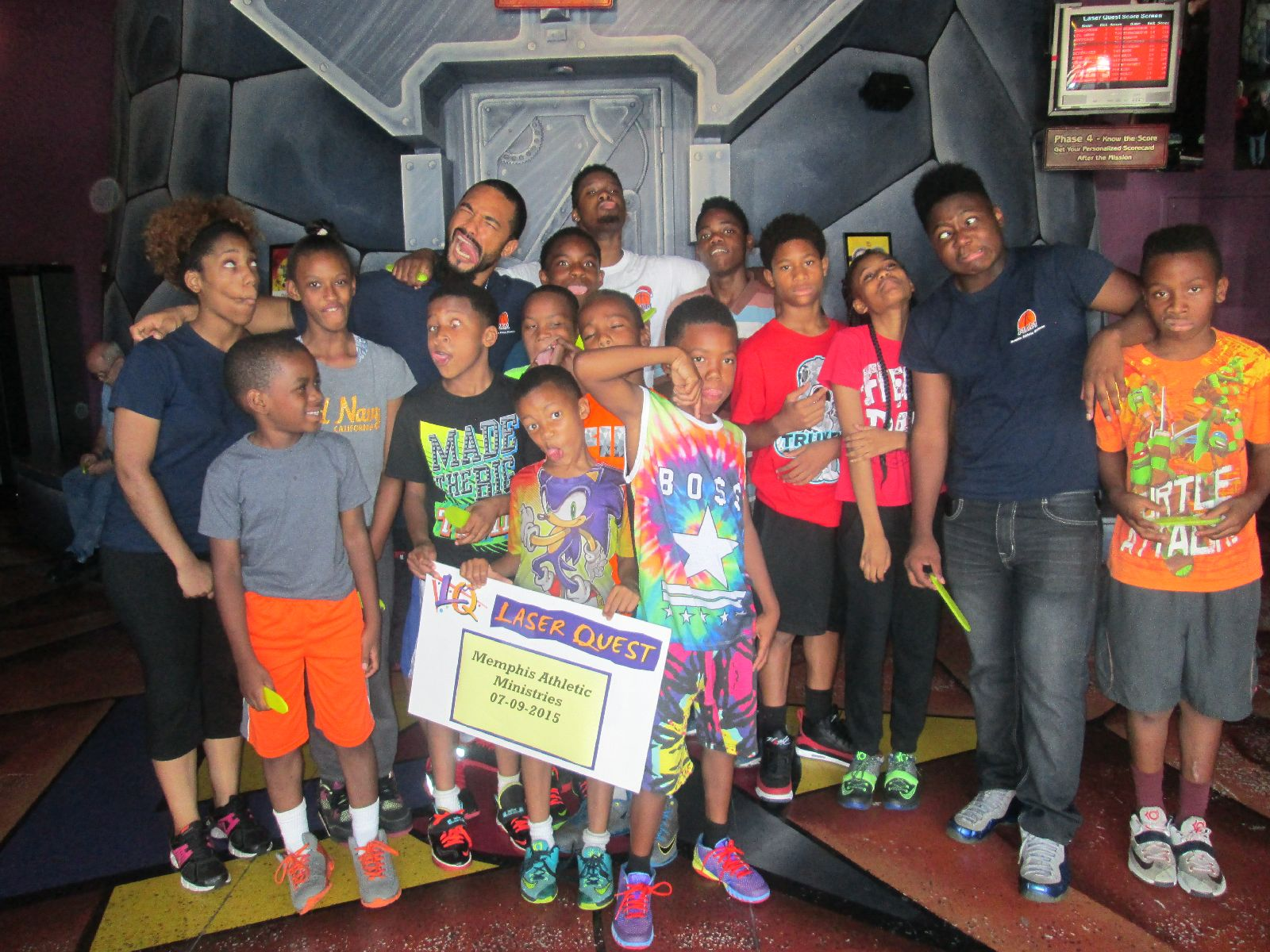 Fun Photo Friday – MAM Grizzlies kids love Laser Quest