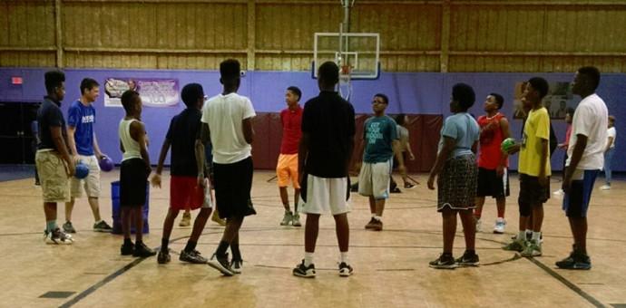 MEMPHIS COACH RUNS ALONGSIDE YOUTH TO TEACH TEAMWORK AND EFFORT